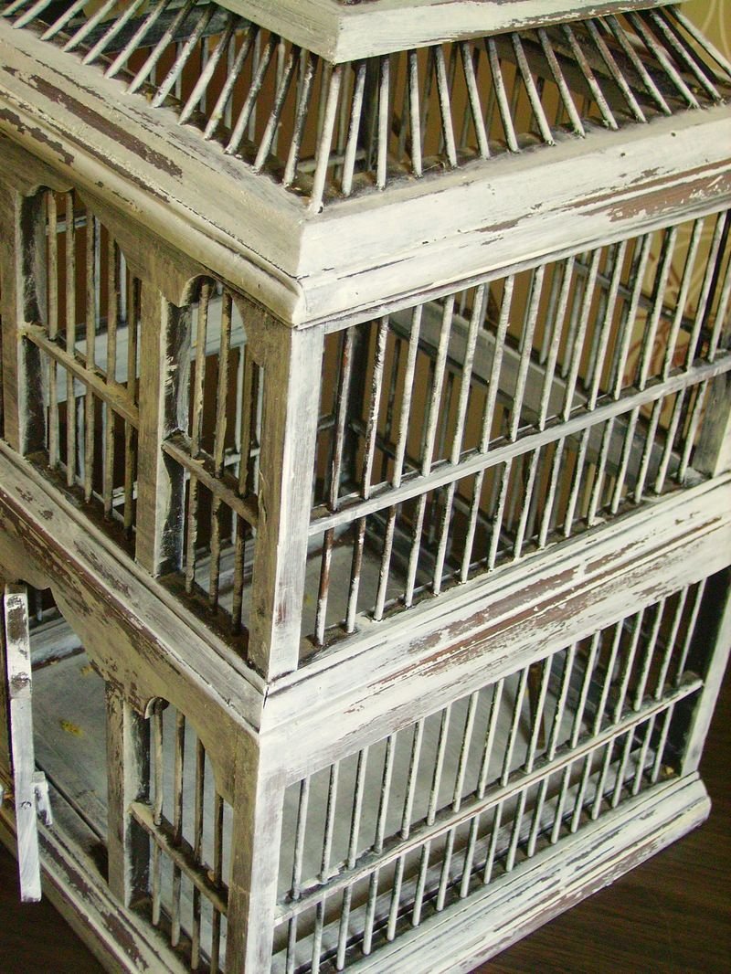 relooking cage oiseaux en bois. Black Bedroom Furniture Sets. Home Design Ideas